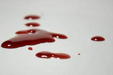 Đi ngoài ra máu có nguy hiểm không?