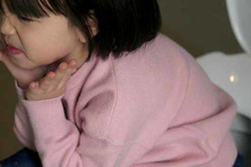 Thủ phạm gây bệnh trĩ ở trẻ em