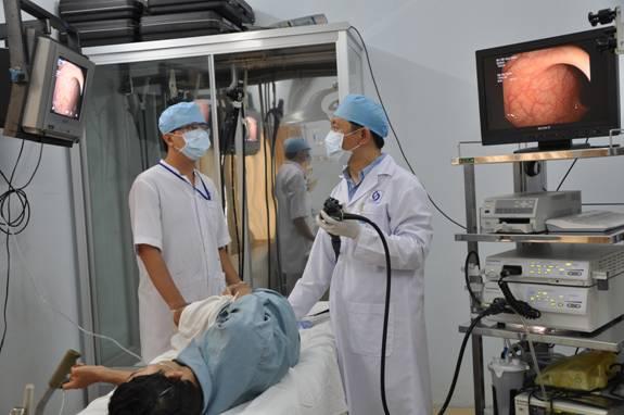 Bước 2: Tiến hành thăm khám bệnh trĩ 1